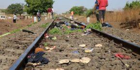Gareeb Ki Jaan Desh Me Bikti Mili Hain - Labour Died In Aurangabad Hindi Shayari