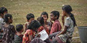 Shiksha Aajakl Daulat Ke Hawale Hai - Garib Ko Shiksha Education Right Hindi Kavita